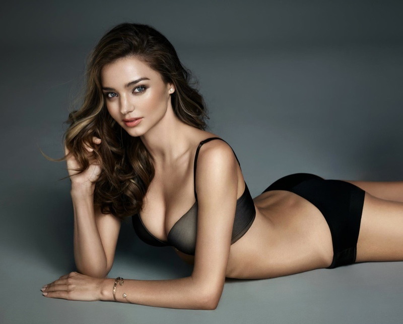 miranda-kerr-wonderbra-lingerie-2015-photos3